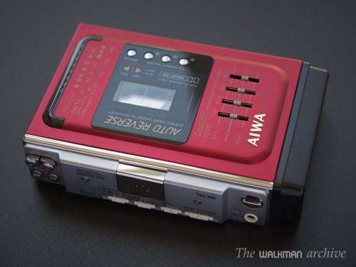 AIWA Walkman HS-J10 Red 01