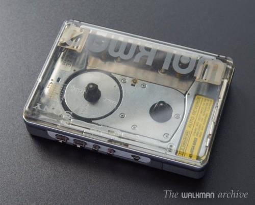SONY Walkman WM-504 Transparent 02