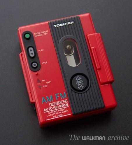 TOSHIBA Walkman RT-V600 Boxed Red 04