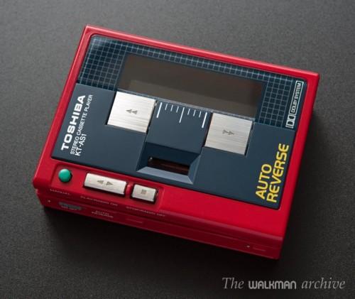 Toshiba Walkman KT-AS1 Red 02