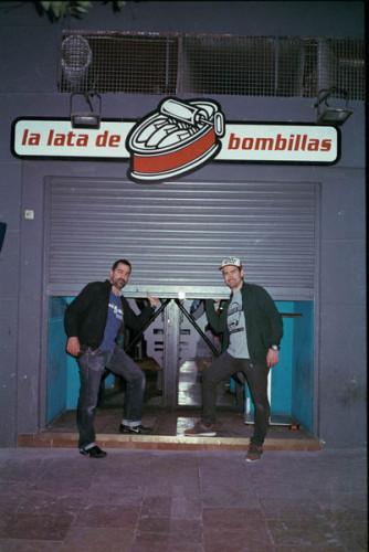 Hugo & Lorenzo at La lata de bombillas Abr17